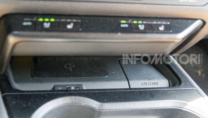 [VIDEO] Lexus UX 250h, il premium hybrid ha l'asso nella manica! - Foto 18 di 58