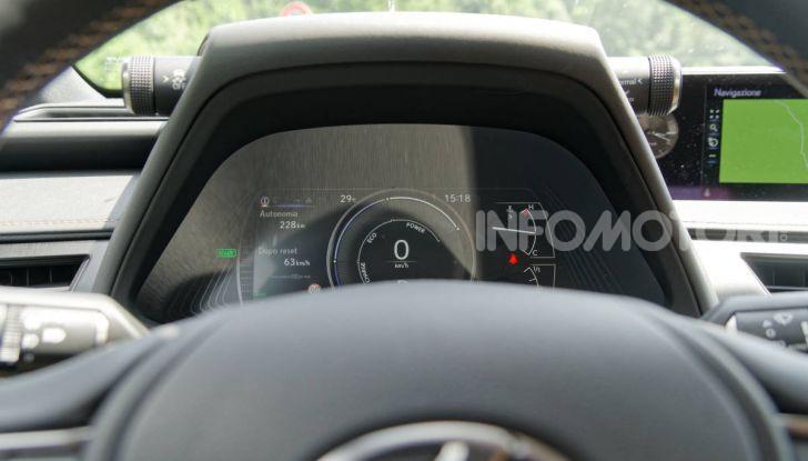 [VIDEO] Lexus UX 250h, il premium hybrid ha l'asso nella manica! - Foto 24 di 58