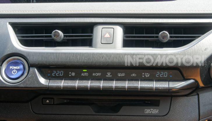 [VIDEO] Lexus UX 250h, il premium hybrid ha l'asso nella manica! - Foto 29 di 58