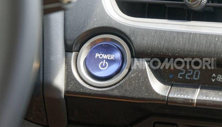 [VIDEO] Lexus UX 250h, il premium hybrid ha l'asso nella manica! - Foto 30 di 58