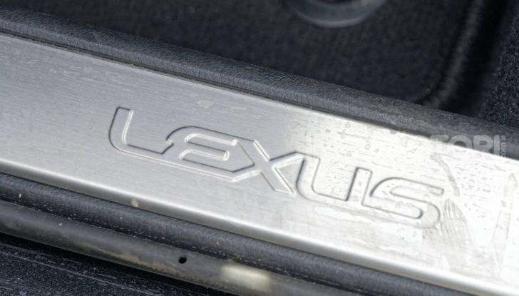 [VIDEO] Lexus UX 250h, il premium hybrid ha l'asso nella manica! - Foto 34 di 58