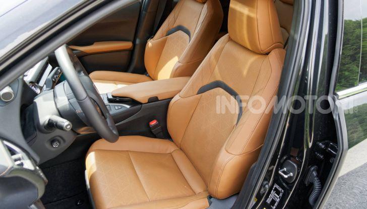 [VIDEO] Lexus UX 250h, il premium hybrid ha l'asso nella manica! - Foto 35 di 58