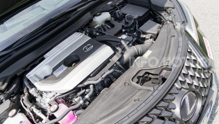 [VIDEO] Lexus UX 250h, il premium hybrid ha l'asso nella manica! - Foto 37 di 58