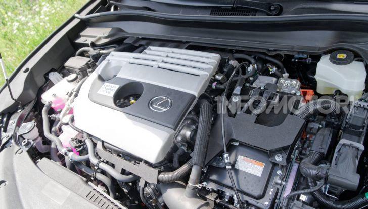[VIDEO] Lexus UX 250h, il premium hybrid ha l'asso nella manica! - Foto 38 di 58