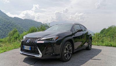 [VIDEO] Lexus UX 250h, il premium hybrid ha l'asso nella manica!