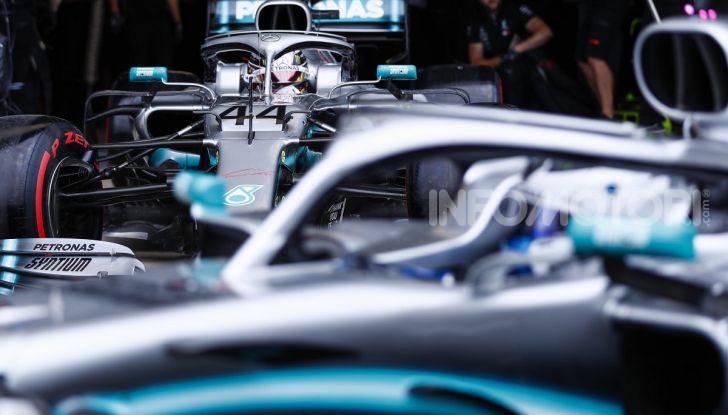 F1 2019 GP di Gran Bretagna: Hamilton invincibile a Silverstone piega Bottas e Leclerc. Vettel centra Verstappen e sbaglia tutto - Foto 1 di 17