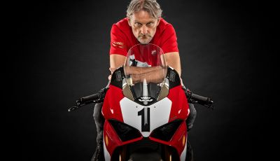 Ducati festeggia i 25 anni della 916 con una Panigale V4 in edizione limitata