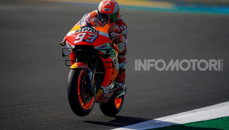MotoGP 2019, GP della Repubblica Ceca: Marquez piega Dovizioso e vince a Brno, Rossi quinto - Foto 1 di 11
