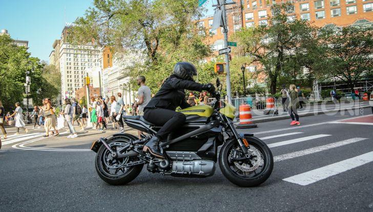 Harley Davidson LiveWire, la prima elettrica di Milwaukee arriva in Italia - Foto 15 di 15