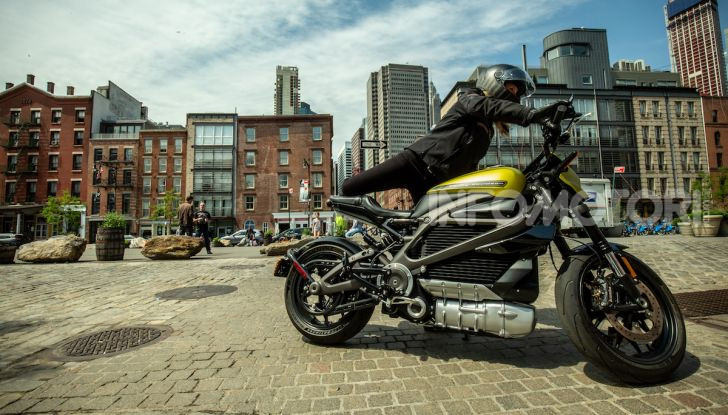 Harley-Davidson: la LiveWire scatena la rivolta. E il titolo in borsa crolla - Foto 1 di 15