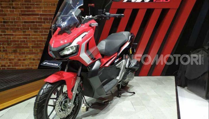 Honda svela il nuovo ADV 150, ispirato al fratello maggiore X-ADV 750. E non è finita qui - Foto 1 di 6