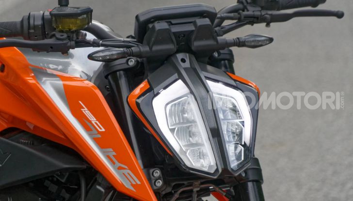 """Prova KTM Duke 790, il """"parcogiochi"""" sotto quota 10 mila (euro)  - Foto 2 di 54"""