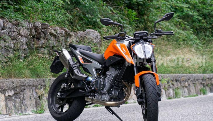 """Prova KTM Duke 790, il """"parcogiochi"""" sotto quota 10 mila (euro)  - Foto 5 di 54"""