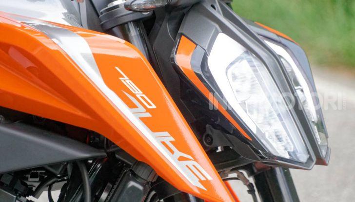"""Prova KTM Duke 790, il """"parcogiochi"""" sotto quota 10 mila (euro)  - Foto 9 di 54"""