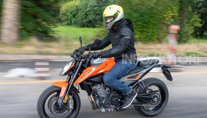 """Prova KTM Duke 790, il """"parcogiochi"""" sotto quota 10 mila (euro)  - Foto 37 di 54"""