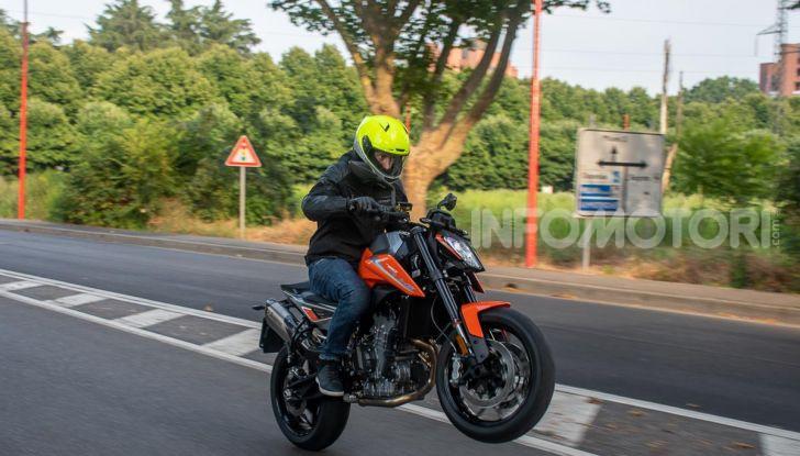 """Prova KTM Duke 790, il """"parcogiochi"""" sotto quota 10 mila (euro)  - Foto 40 di 54"""