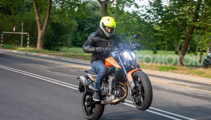 """Prova KTM Duke 790, il """"parcogiochi"""" sotto quota 10 mila (euro)  - Foto 1 di 54"""