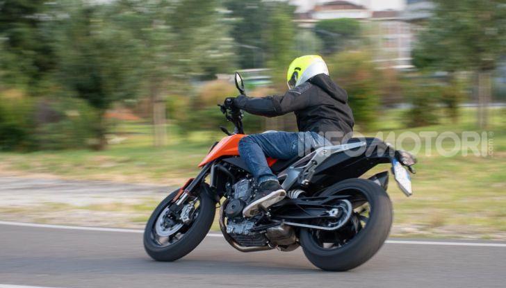 """Prova KTM Duke 790, il """"parcogiochi"""" sotto quota 10 mila (euro)  - Foto 47 di 54"""