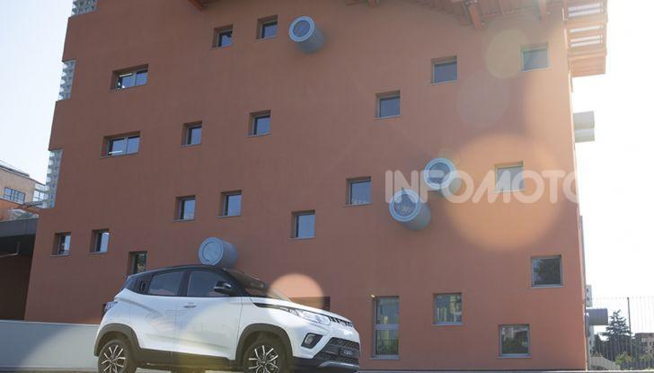 Mahindra completa l'offerta in Italia con KUV100 e XUV500 - Foto 3 di 23