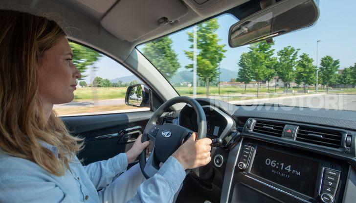Mahindra completa l'offerta in Italia con KUV100 e XUV500 - Foto 10 di 23