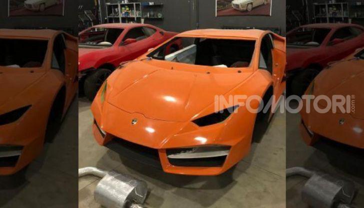 Scoperta fabbrica di Ferrari e Lamborghini Replica, due arresti - Foto 6 di 6