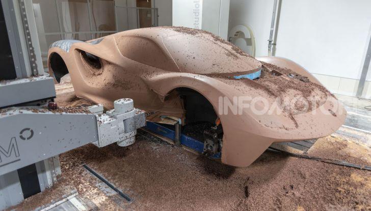 Lotus Evija: l'hypercar elettrica da 1000 euro a cavallo - Foto 6 di 34