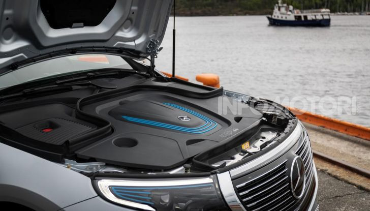 Prova su strada Mercedes-Benz EQC: la prima elettrica del Marchio della Stella - Foto 15 di 31