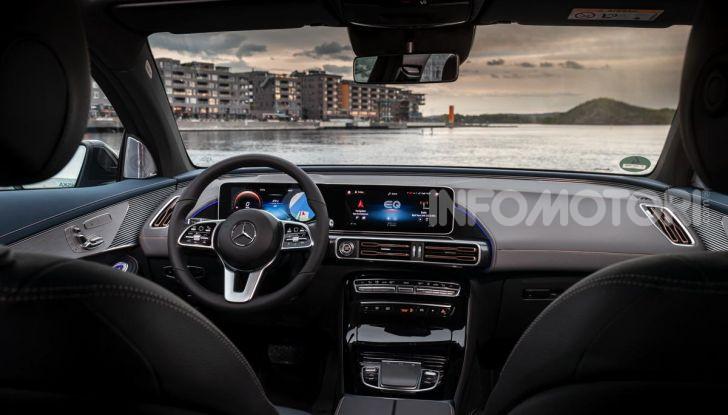 Prova su strada Mercedes-Benz EQC: la prima elettrica del Marchio della Stella - Foto 16 di 31