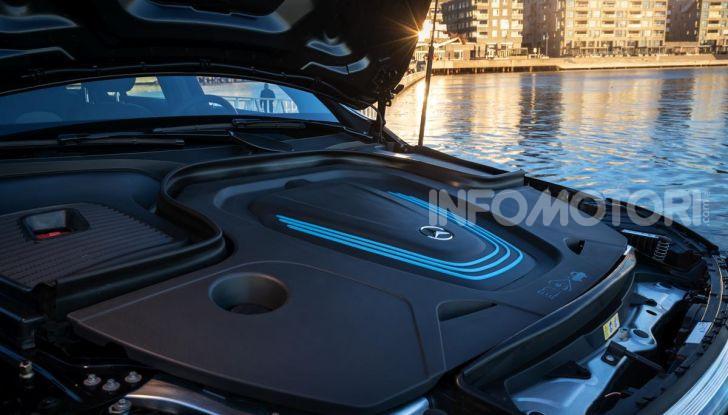 Prova su strada Mercedes-Benz EQC: la prima elettrica del Marchio della Stella - Foto 18 di 31