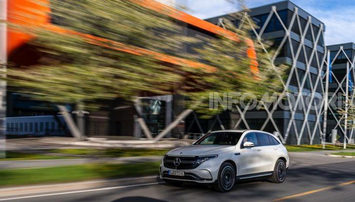 Prova su strada Mercedes-Benz EQC: la prima elettrica del Marchio della Stella - Foto 2 di 31