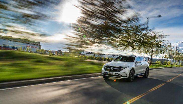 Prova su strada Mercedes-Benz EQC: la prima elettrica del Marchio della Stella - Foto 6 di 31