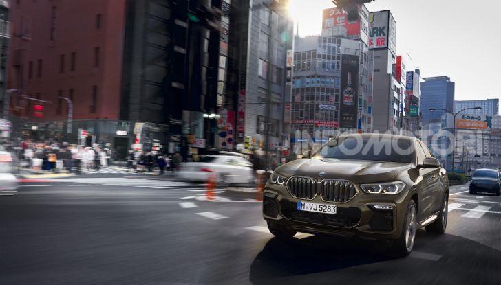 Nuova BMW X6: caratteristiche da Sport Activity Vehicle ed estetica da coupé - Foto 1 di 27