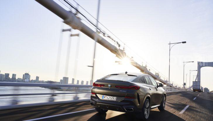 Nuova BMW X6: caratteristiche da Sport Activity Vehicle ed estetica da coupé - Foto 10 di 27