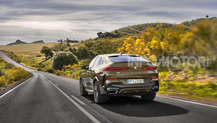 Nuova BMW X6: caratteristiche da Sport Activity Vehicle ed estetica da coupé - Foto 17 di 27