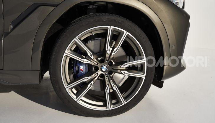 Nuova BMW X6: caratteristiche da Sport Activity Vehicle ed estetica da coupé - Foto 18 di 27