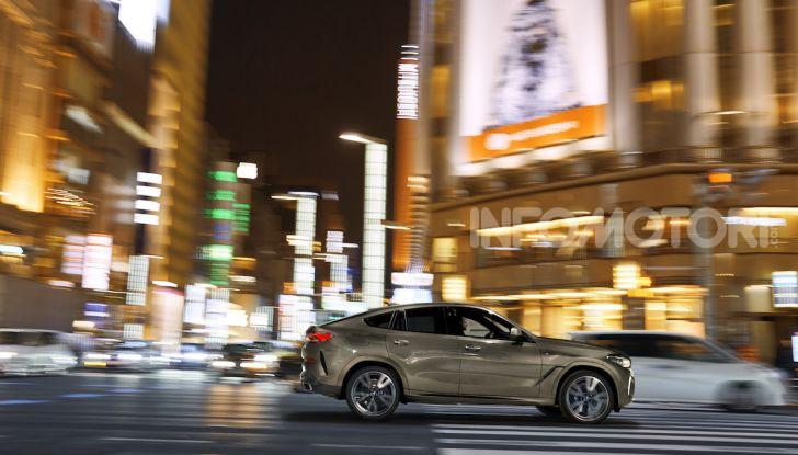 Nuova BMW X6: caratteristiche da Sport Activity Vehicle ed estetica da coupé - Foto 2 di 27