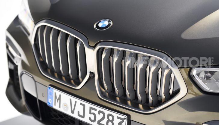 Nuova BMW X6: caratteristiche da Sport Activity Vehicle ed estetica da coupé - Foto 24 di 27
