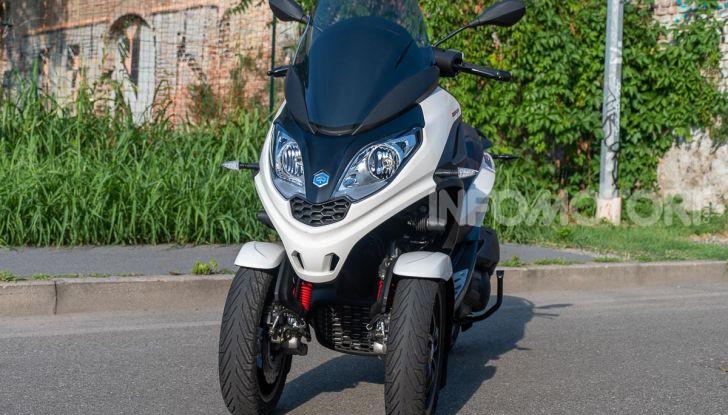 Niente autostrada per gli scooter a tre e quattro ruote, almeno fino a fine anno - Foto 3 di 40