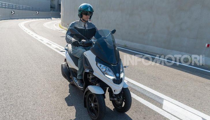 Niente autostrada per gli scooter a tre e quattro ruote, almeno fino a fine anno - Foto 22 di 40