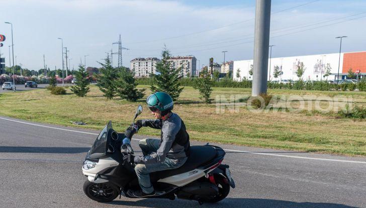 Niente autostrada per gli scooter a tre e quattro ruote, almeno fino a fine anno - Foto 26 di 40