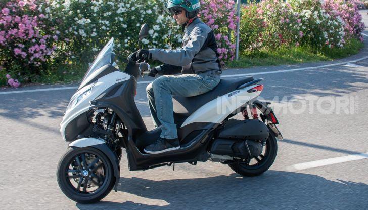 Niente autostrada per gli scooter a tre e quattro ruote, almeno fino a fine anno - Foto 27 di 40