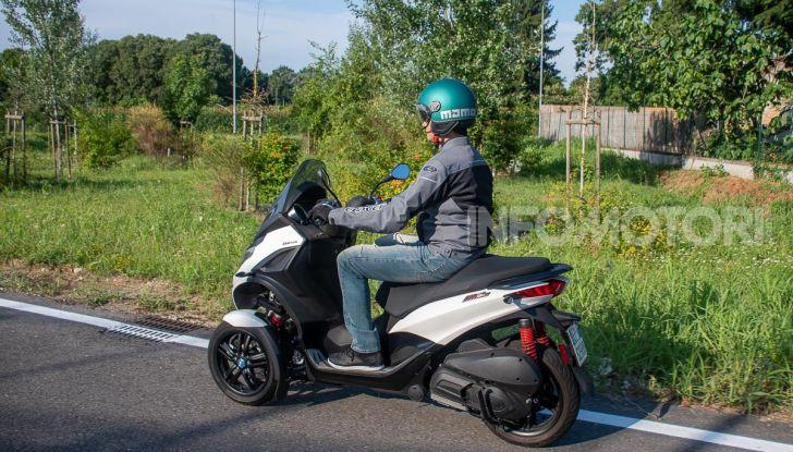 Niente autostrada per gli scooter a tre e quattro ruote, almeno fino a fine anno - Foto 32 di 40
