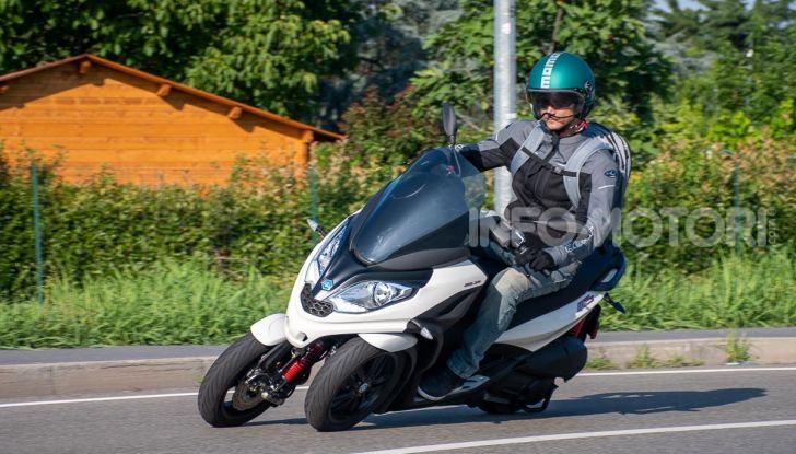 Niente autostrada per gli scooter a tre e quattro ruote, almeno fino a fine anno - Foto 1 di 40