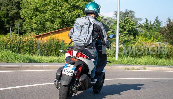 Niente autostrada per gli scooter a tre e quattro ruote, almeno fino a fine anno - Foto 33 di 40