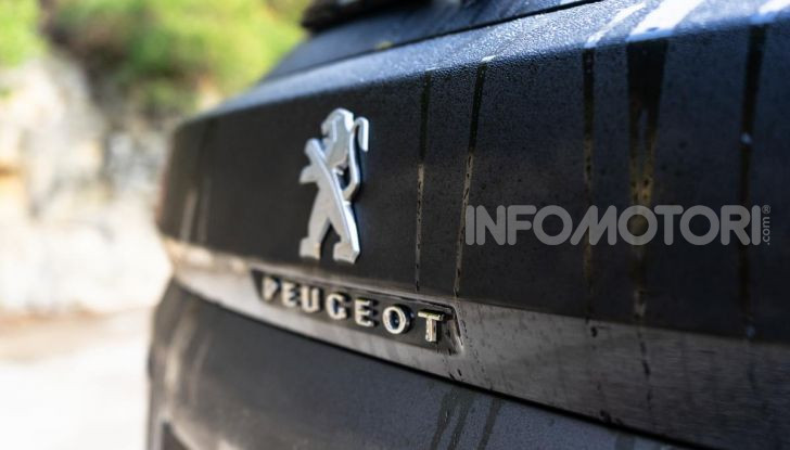 Prova Peugeot 3008 GT Line 2019: vero premium senza rinunce - Foto 17 di 42