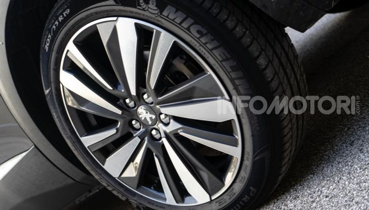 Prova Peugeot 3008 GT Line 2019: vero premium senza rinunce - Foto 6 di 42