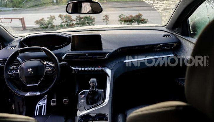 Prova Peugeot 3008 GT Line 2019: vero premium senza rinunce - Foto 21 di 42