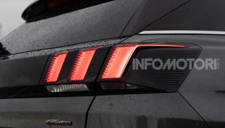 Prova Peugeot 3008 GT Line 2019: vero premium senza rinunce - Foto 11 di 42