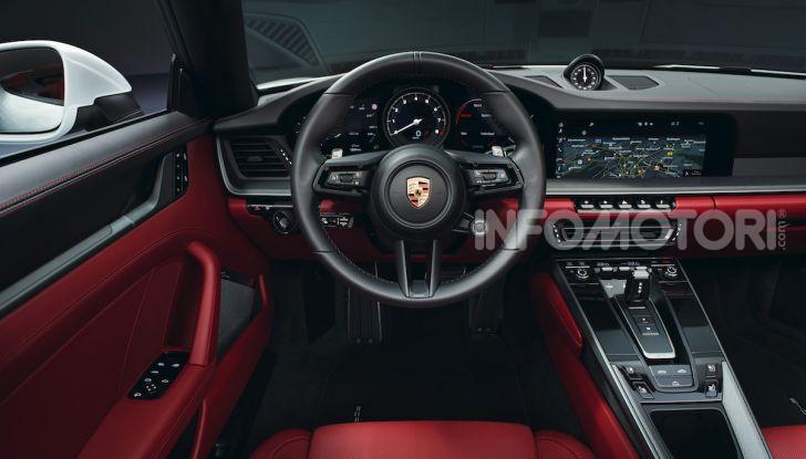 Porsche fa doppietta: ecco la nuova 911 Carrera Coupé e la 911 Carrera Cabriolet - Foto 2 di 10