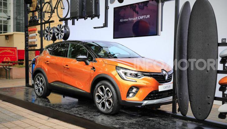 Nuova Renault Captur 2019: SUV d'alto design con variante Plug-In Hybrid - Foto 1 di 47
